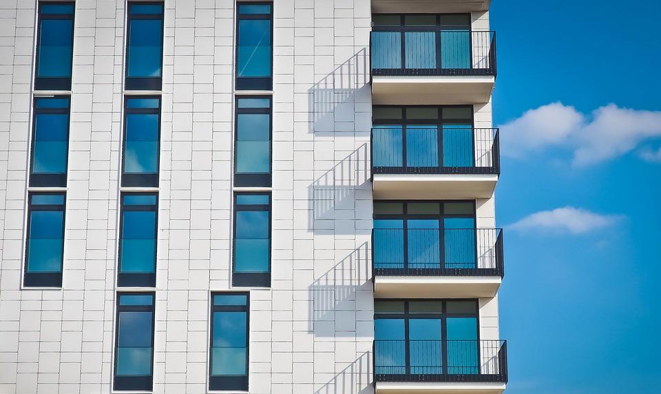 Abogado especialista en derecho inmobiliario para propietarios
