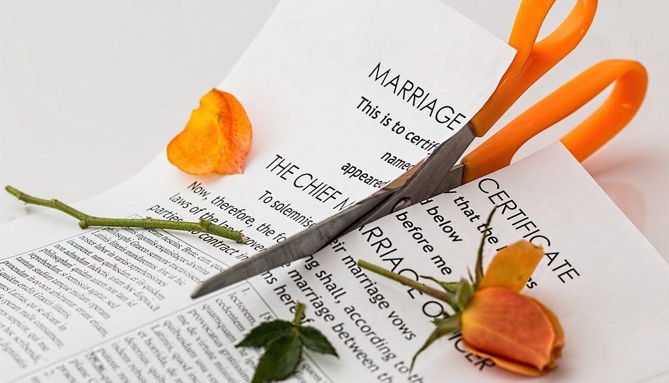 Cómo divorciarse rápido con un abogado de confianza