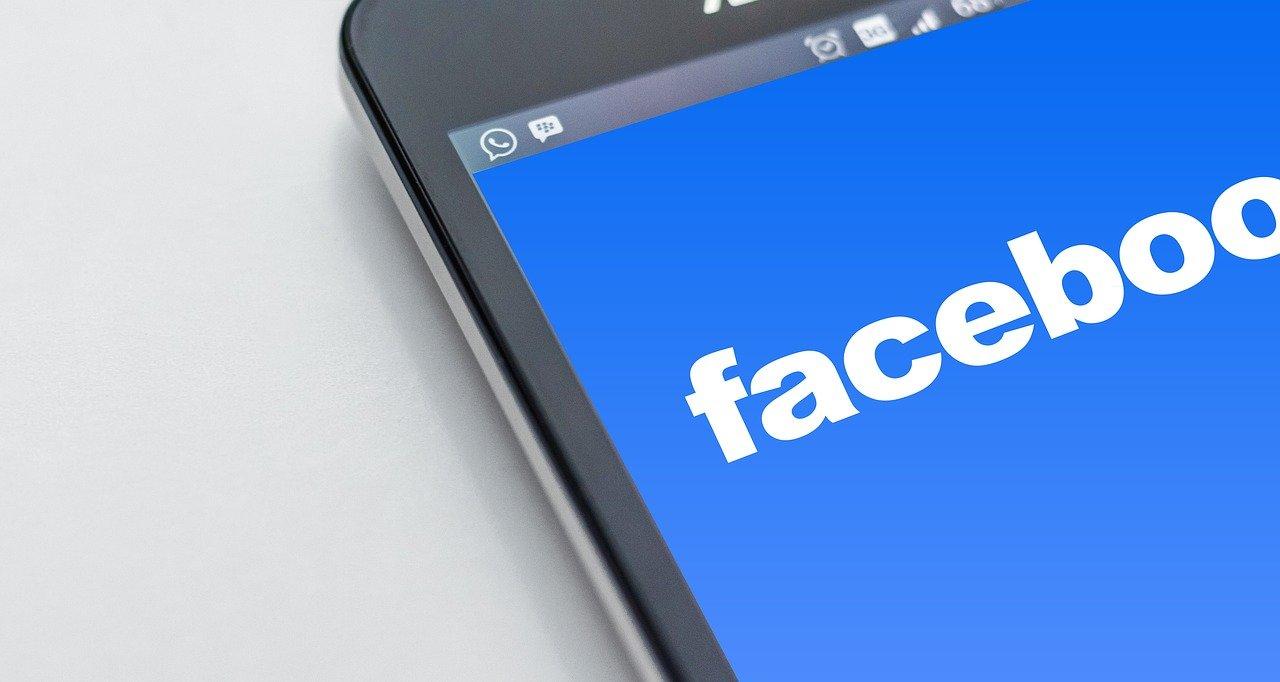datos whatsapp facebook
